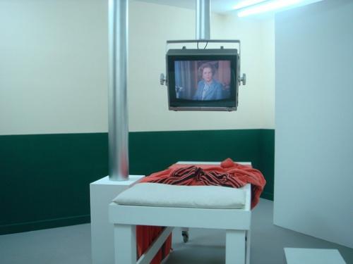 16460w_thatcher richardhamiltonprotestpicturestreatmentroom