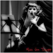 Miss Von Trapp407226_10150715550163696_6900813695_12078427_1692814951_n
